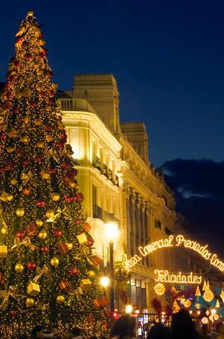 Madrid Christmas tree. Photo Marco Cristofori/Corbis