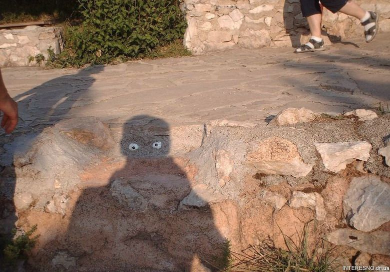 trick-photo-12. Photo credit unknown. Art is Everywhere blog