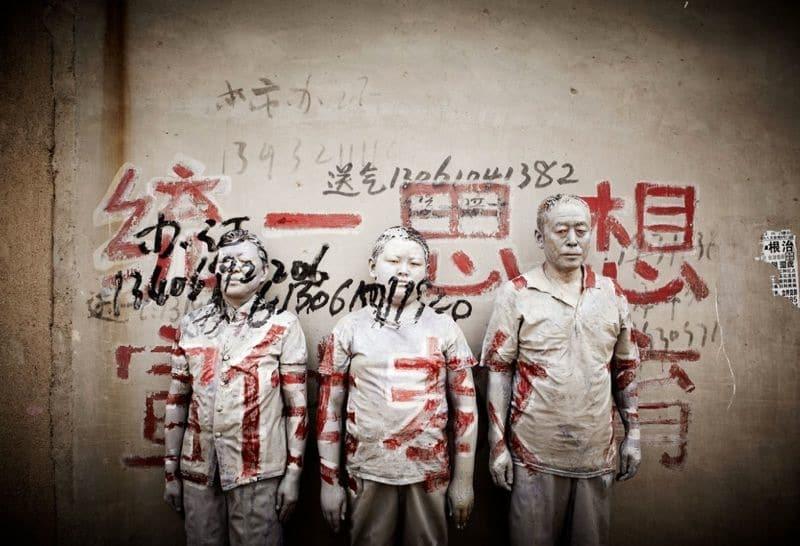Liu Bolin via arrested motion on Art Is Everywhere