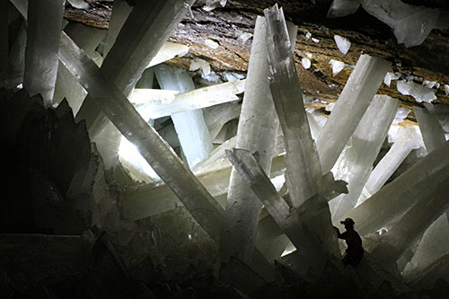 giant-crystal-cave-naica-mexico_Alexander Van Driessche on AIE blog