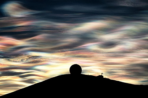 polar-stratospheric-clouds-nacreous-clouds-antarctica-by-deven-stross-1 on AIE blog