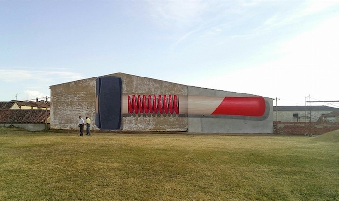 Giant-Murals-of-Common-Objects-by-Ampparito-4