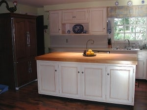 Brushed-on Glazed Finish Over Cream Cabinets