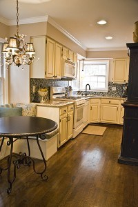 Glazed Cabinets blend white appliances and decor